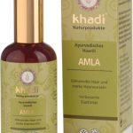 Este aceite con amla ayuda a prevenir la pérdida del cabello y el encanecimiento prematuro. El amla es uno de los acondicionadores antiguos más usados para tratar el cabello.